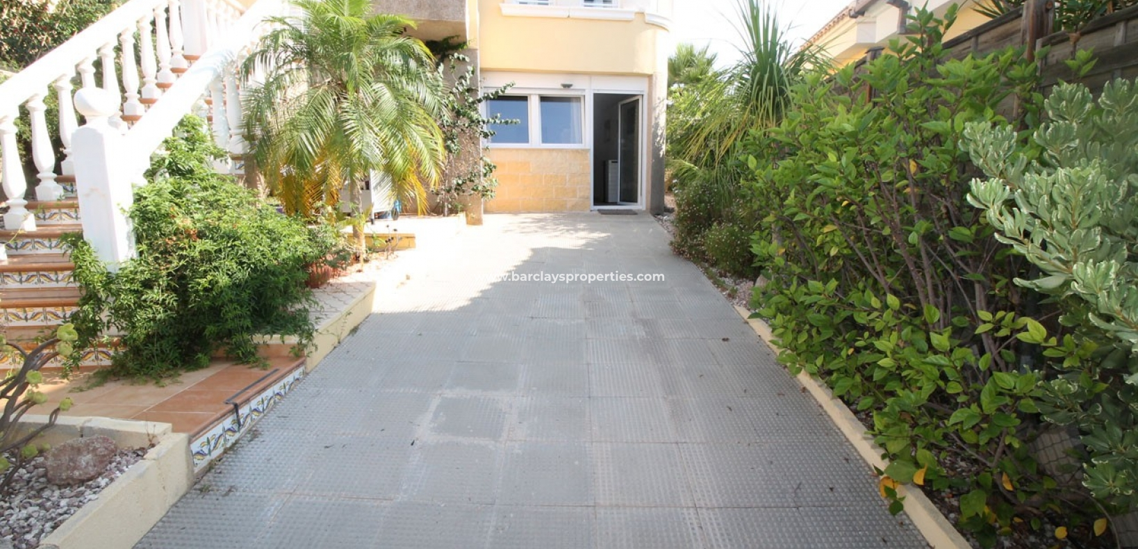 Resale - Detached - Urb. La Marina